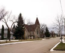 Contextual view, from the northeast, of Deloraine Presbyterian Church, Deloraine, 2005; Historic Resources Branch, Manitoba Culture, Heritage, Tourism and Sport, 2005