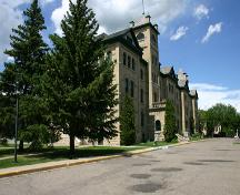 View from the southeast of the main elevation of Brandon College & Clark Hall, Brandon, 2005; Historic Resources Branch, Manitoba Culture, Heritage, Tourism and Sport, 2005