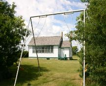 Contextual view, from the east, of Eunola School, Tilston area, 2006; Historic Resources Branch, Manitoba Culture, Heritage, Tourism and Sport, 2006
