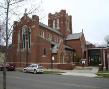 Exterior view of St. Matthew's Anglican Cathedral, Brandon, 2005.; Historic Resources Branch, Manitoba Culture, Heritage, Tourism and Sport, 2005