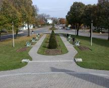 View looking south from the Monument down Bridge Street, 2004.; Department of Planning, City of Brantford, 2004.