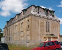 Exterior view of the southwest corner of the Military Hospital, located on the Old General Hospital site, St. John's, taken February 9, 2005.; HFNL 2005.
