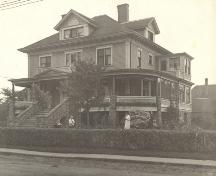 Archive image of J. Leroy Holman House; MacNaught Archives Acc. 018.232