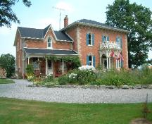 Front and side of the Jeffrey Residence; Haldimand County 2007