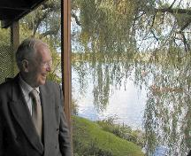 Arthur Erickson at the Baldwin House, 2003; Don Dool, City of Burnaby, 2004