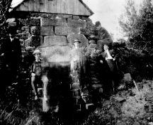 Showing lime kiln, c. 1910; Donna Collings Collection
