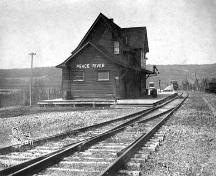 Peace River N.A.R. Station Provincial Historic Resource (date unknown); Provincial Archives of Alberta, A.14075