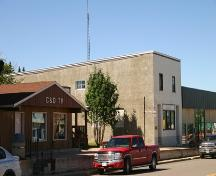 Contextual view, from the northeast, of the Union Bank Building, Birtle, 2005; Historic Resources Branch, Manitoba Culture, Heritage, Tourism and Sport, 2005