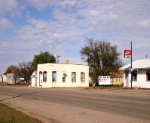 Contextual view, from the southeast, of the Elgin Canadia Imperial Bank of Commerce Building, Elgin, 2005; Historic Resources Branch, Manitoba Culture, Heritage, Tourism and Sport, 2005