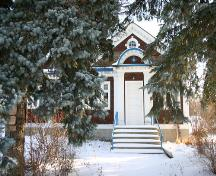 View of the main entrance of the Masonic Lodge, Emerson, 2005; Historic Resources Branch, Manitoba Culture, Heritage, Tourism and Sport, 2005