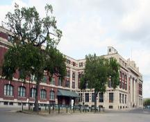 Contextual view, from the southwest, of the Canadian Pacific Railway Station, Winnipeg, 2006; Historic Resources Branch, Manitoba Culture, Heritage, Tourism and Sport, 2006