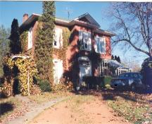 Front and side of the McKinnin-Smith Residence; Haldimand County 2007
