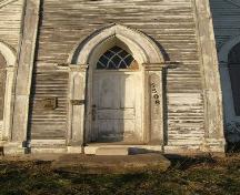 Detail of main entrance, King Seaman Church, Minudie, NS, 2009.; Heritage Division, NS Dept of Tourism, Culture and Heritage, 2009