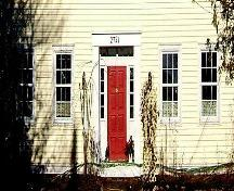Detail of front entrance, Trueman House, Truemanville, NS, 2009.; Heritage Division, NS Dept of Tourism, Culture and Heritage, 2009