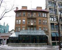 Primary elevation, from the east, of the Royal Albert Arms Hotel, Winnipeg, 2006; Historic Resources Branch, Manitoba Culture, Heritage, Tourism and Sport, 2006