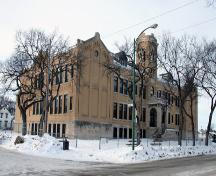 Primary elevations, from the southeast, of Principal Sparling School, Winnipeg, 2006; Historic Resources Branch, Manitoba Culture, Heritage, Tourism and Sport, 2006