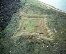 View of Grassy Island Fort, showing the siting of the fort on the highest point of land on Grassy Island, 1989.; Parks Canada Agency / Agence Parcs Canada, 1989.