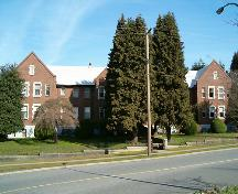 Exterior view of the Sisters of St. Paul School, 2004; City of North Vancouver, 2004