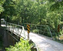 Featured is the scenic rural setting of the Otter Creek Bridge.; Ministry of Culture, 2007.