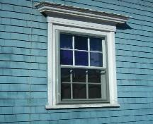 Window on east elevation, 578 Main Street, Mahone Bay, NS, 2009.; Heritage Division, NS Dept. of Tourism, Culture and Heritage, 2009