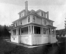 Exterior view of the Roe Residence, circa 1910; Port Moody Station Museum 984.103.1