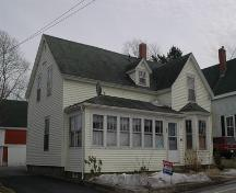 Side profile of the Bishop-Wentzell House, Annapolis Royal, Nova Scotia, 2009.; Heritage Division, NS Dept. of Tourism, Culture and Heritage, 2009