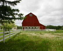 East elevation of the Nordin Farmstead, Teulon area, 2005; Historic Resources Branch, Manitoba Culture, Heritage, Tourism and Sport, 2005