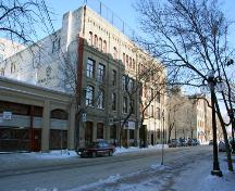 Primary elevation, from the southwest, of the MacKenzie Block (the four-bay section on the left-hand side of the complex, adjoining the Swiss Building), Winnipeg, 2007; Historic Resources Branch, Manitoba Culture, Heritage, Tourism and Sport, 2007