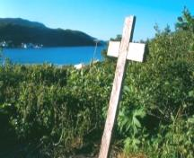 Photo showing the cross at the Captain Coubelongue Grave Site, Conche, NL, circa 2000; Courtesy C. Cochrane, 2008