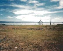 View of the gazebo at Lac Ste. Anne Pilgrimage, showing the unimpeded viewscapes of the lake and the surrounding area, 1994.; Parks Canada Agency / Agence Parcs Canada, 1994.