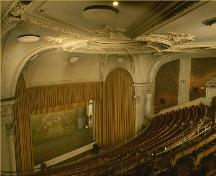 View of the interior of the Elgin Theatre, showing Renaissance Revival decor and the virtual elimination of obstructing columns.; Parks Canada Agency / Agence Parcs Canada.