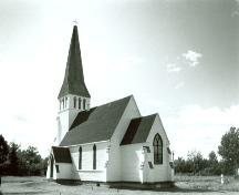 Corner view of Christ Church Anglican, showing the rear and side elevations, 1980.; Parks Canada Agency/Agence Parcs Canada, 1980.