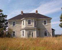 Exterior photo of front facade, Peach's Farm, Carbonear, taken 2004.; HFNL 2005
