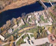 Aerial view of the Sainte-Marie Among the Hurons Mission National Historic Site of Canada, 2005.; Huronia Historical Park, Rosemary Vyvyan & William Brodeur, 2005.