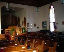 Interior view looking toward altar, Trinity United Church, Mahone Bay, NS, 2009.; Heritage Division, NS Dept. of Tourism, Culture and Heritage, 2009