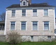Rear elevation (Dock Street), Peter Guyon House, Shelburne, Nova Scotia, 2007. ; Heritage Division, NS Dept. of Tourism, Culture and Heritage, 2007
