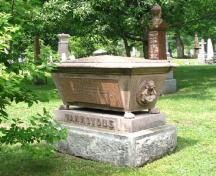 View of a sarcophagus at Mount Hermon Cemetery, 2005.; Parks Canada Agency / Agence Parcs Canada, Rhona Goodspeed, 2005.