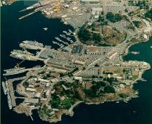 Aerial view of Esquimalt Naval Sites, showing the location and siting, ringing Esquimalt harbour, 2001.; Parks Canada Agency / Agence Parcs Canada, 2001.