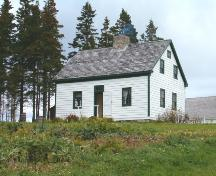 MacDonald House, Iona, Side Perspective, 2004; Heritage Division, Nova Scotia Department of Tourism, Culture and Heritage, 2004