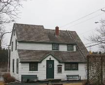 Rear elevation, Fultz House, Lower Sackville, Halifax Regional Municipality, Nova Scotia, 2007.; HRM Planning and Development Services, Heritage Property Program, 2007