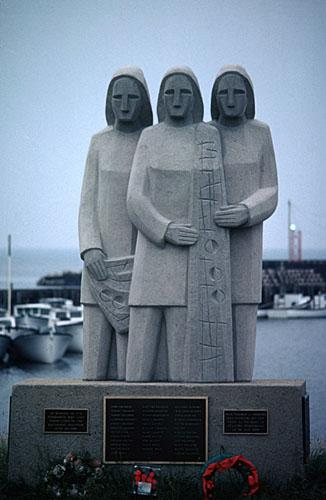 Image of the commemorative statue