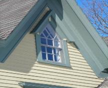 Detail of Gothic window, 97 Edgewater Street, Mahone Bay, NS, 2009.; Heritage Division, NS Dept. of Tourism, Culture and Heritage, 2009