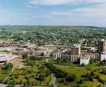 Aerial view of the campus of the Southern Alberta Institute of Technology, showing Heritage hall to the left of the image.; Parks Canada Agency / Agence Parcs Canada.