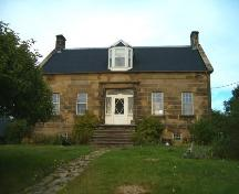 Front elevation, Peter Smyth House, Port Hood, 2004.; Heritage Division, Nova Scotia Department of Tourism, Culture and Heritage, 2004
