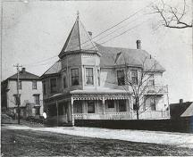 Front elevation, McLachlan House, Lunenburg, NS, ca. 1910; Courtesy of the Heritage Division, Province of Nova Scotia