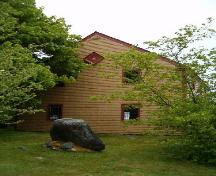 Old Meeting House, Barrington, side elevation, 2004.; Heritage Division, NS Dept. of Tourism, Culture and Heritage, 2004