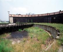 General view of the John Street Roundhouse (Canadian-Pacific), 1994.; Parks Canada/Parcs Canada, 1994.