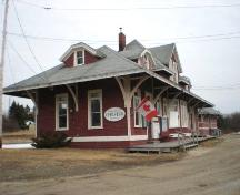Side and front elevations, Chester Train Station, Chester, Nova Scotia, 2007.; Heritage Division, Nova Scotia Department of Tourism, Culture and Heritage, 2007