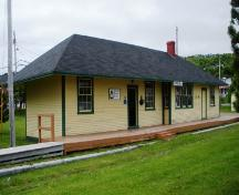 View of the left and front facades of Carbonear Railway Station Site, Carbonear, NL.; HFNL/Andrea O'Brien 2009