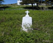 Memorial commemorating the crew of the Sigrid, North Side Burial Ground, Ferryland, NL. Taken 2009. ; HFNL/Andrea O'Brien 2009